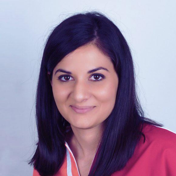 Dr. Anca Băjan